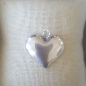 Valentines heart pendant necklace silver